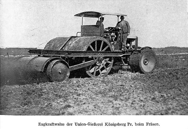 Zugkraftwalze der Union-Gießerei Königsberg Pr. beim Fräsen. (Um 1930)